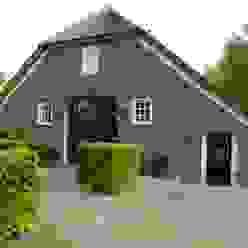 Puertas y ventanas de estilo rural de Frank Loor Architect Rural
