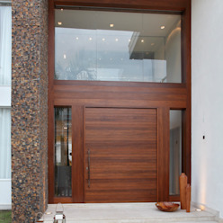 Projekty,  Drwi wejściowe zaprojektowane przez Arquitetura e Interior, Nowoczesny