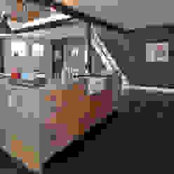 Cozinhas campestres por Thijs van de Wouw keuken- en interieurbouw Campestre