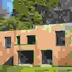 Maison au milieu des arbres F. DEMAGNY ARCHITECTE Maisons modernes