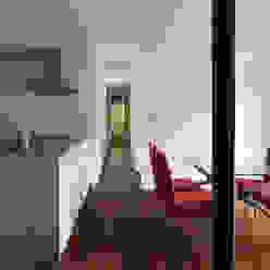 024軽井沢Hさんの家: atelier137 ARCHITECTURAL DESIGN OFFICEが手掛けた廊下 & 玄関です。,