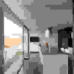 Minimalistische Küchen von eidée arquitectes S.L.P. Minimalistisch