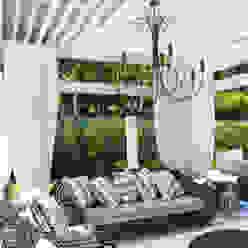 Exuberante Loro Arquitetura e Paisagismo Jardins ecléticos