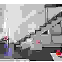 Manhattan Micro-Loft Pasillos, vestíbulos y escaleras de estilo moderno de Specht Architects Moderno
