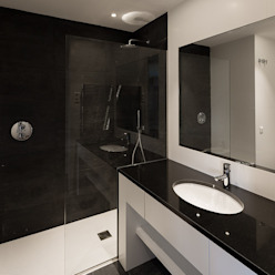 Reforma de vivienda en Arturo Soria, Madrid Fernando Nieto Arquitecto Baños de estilo minimalista