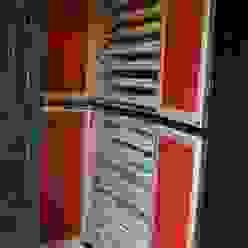造り付着物入れ戸棚: 樹・中村昌平建築事務所が手掛けた現代のです。,モダン