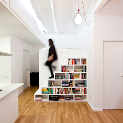 Dolmen Serveis i Projectes SL Modern corridor, hallway & stairs