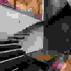 Casa CH GLR Arquitectos Pasillos, vestíbulos y escaleras modernos