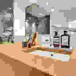 1+1=1 bypierrepetit Salle de bain moderne