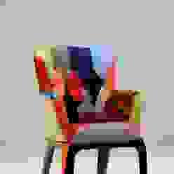 Poltroncina rivestita in tessuto stile patchwork di CORDEL s.r.l. Moderno
