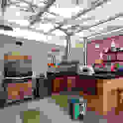 Varanda Gourmet Varandas, alpendres e terraços rústicos por Cláudia Hypolito Arquitetura & Interiores Rústico