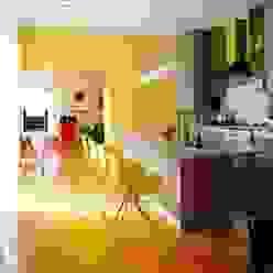 Küche/Essbereich in der Trendfarbe Gelb Moderne Küchen von trend group Modern