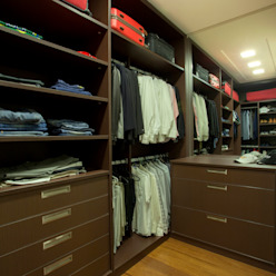 Modern dressing room by Designer de Interiores e Paisagista Iara Kílaris Modern