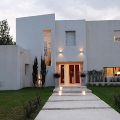 El Encuentro 1 Casas modernas: Ideas, imágenes y decoración de Estudio de Arquitectura Clariá & Clariá Moderno
