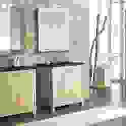 Badmöbelanlage aus Massivholz von F&F Floor and Furniture Landhaus