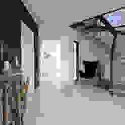 Ingresso, Corridoio & Scale in stile moderno di Danhaus GmbH Moderno