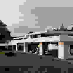 Einfamilienhaus am See Moderne Häuser von domus mea gmbh Modern