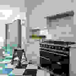 Chelsea Kitchen Lewis Alderson CocinasEstanterías y despensas
