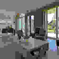 Woonkamer Moderne woonkamers van Bongers Architecten Modern