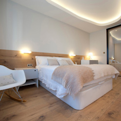 Habitación principal: Dormitorios de estilo  de MADG Architect, Moderno