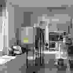 DUE ALLOGGI IN UNO IN CENTRO A MILANO ARCHITETTO MARIANTONIETTA CANEPA Cucina moderna