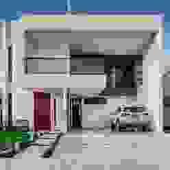 Residência A & F Minimalist houses by Lyssandro Silveira Minimalist