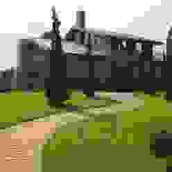 Jardins Naturais: Jardins  por Junia Lobo Paisagismo,