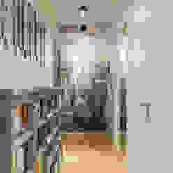 EXPRESSION ARCHITECTURE INTERIEUR Corredor, hall e escadasAcessórios e decoração
