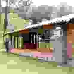 Projeto: Casas  por FLAVIO BERREDO ARQUITETURA E CONSTRUÇÃO,