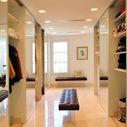 Modern dressing room by JUNOR ARQUITECTOS Modern