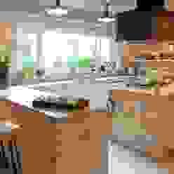 Cozinhas clássicas por JUNOR ARQUITECTOS Clássico