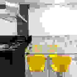 Haus Brasil Arquitetura e Interiores Eclectic style kitchen
