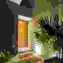 Casa Ming LGZ Taller de arquitectura Puertas y ventanas modernas Madera Acabado en madera