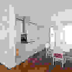 Moderne Esszimmer von VISMARACORSI ARQUITECTOS Modern