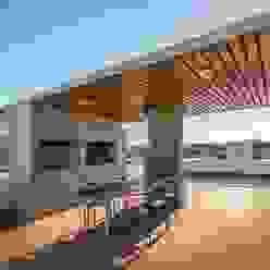 Varandas, alpendres e terraços modernos por barqs bisio arquitectos Moderno