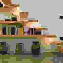 Casa Incorciata Ossigeno Architettura Ingresso, Corridoio & Scale in stile mediterraneo