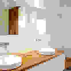 une salle de bain sur mesure Emilie Bigorne, architecte d'intérieur CFAI Salle de bain minimaliste