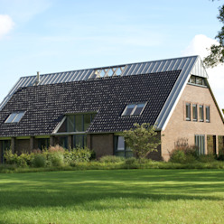 Country style houses by architektengroep roderveld Country