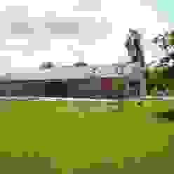 Casas de estilo moderno de DI-vers architecten - BNA Moderno