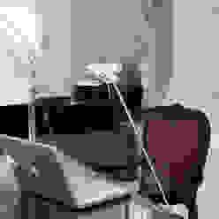 SOBREMESA Pujol Iluminacion Salas multimedia de estilo moderno