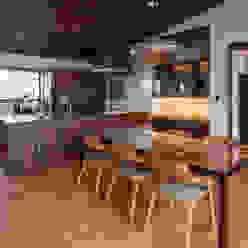 藤井下組の家: 空間設計室/kukanarchiが手掛けたダイニングルームです。,