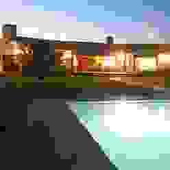 Porche de noche RIBA MASSANELL S.L. Casas mediterráneas