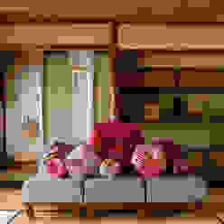 株式会社高岡 SalonesAccesorios y decoración Textil Rojo