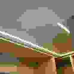 VIVIENDA UNIFAMILIAR BURGOS gestion integral de viviendas de diseño sl Vestidores de estilo minimalista