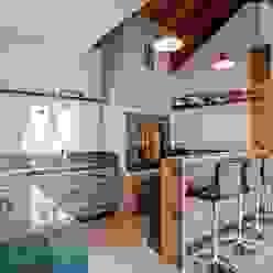 Patrícia Azoni Arquitetura + Arte & Design Cocinas rústicas Madera maciza Acabado en madera