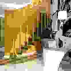 Ausgefallener Flur, Diele & Treppenhaus von Alena Gorskaya Design Studio Ausgefallen