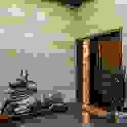 Nahata Residence. Modern corridor, hallway & stairs by In-situ Design Modern