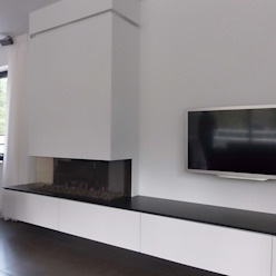 Villa in Ommen Moderne woonkamers van ir. G. van der Veen Architect BNA Modern