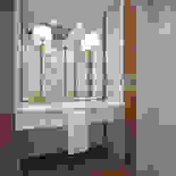Дизайн проект ванной в классическом стиле на Юмашева от дизайн студии Батенькофф. Ванная в классическом стиле от homify Классический Дерево Эффект древесины