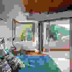 Casa Horto OBM 79 Quartos tropicais por Maria Claudia Faro Tropical